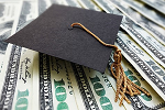 Graduation cap on money ©iStockphoto.com/zimmytws