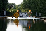 Road Closure Signage As Water Covers The Road ©iStockphoto.com/djperry
