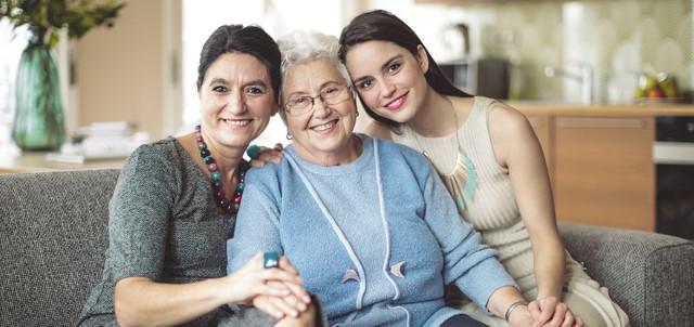 Happy Family ©iStockphoto.com/Eva-Katalin